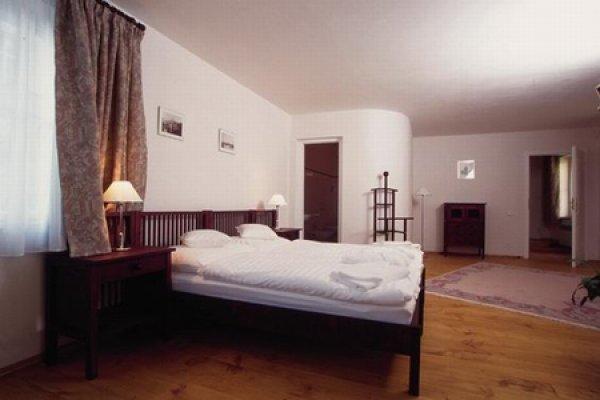 Boutique hotel domus henrici ubytov n praha 1 loret nsk 11 for Domus henrici hotel